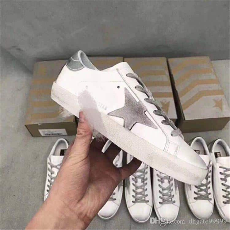 Here's the Fake Golden Goose Sneakers Review for Golden Goose Superstar Low-top Sneakers. Look at the make and learn how to spot them Real VS Fake Golden Goose Sneakers